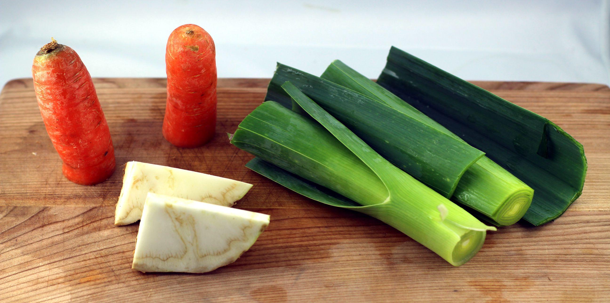 Gemüse für die Brühe