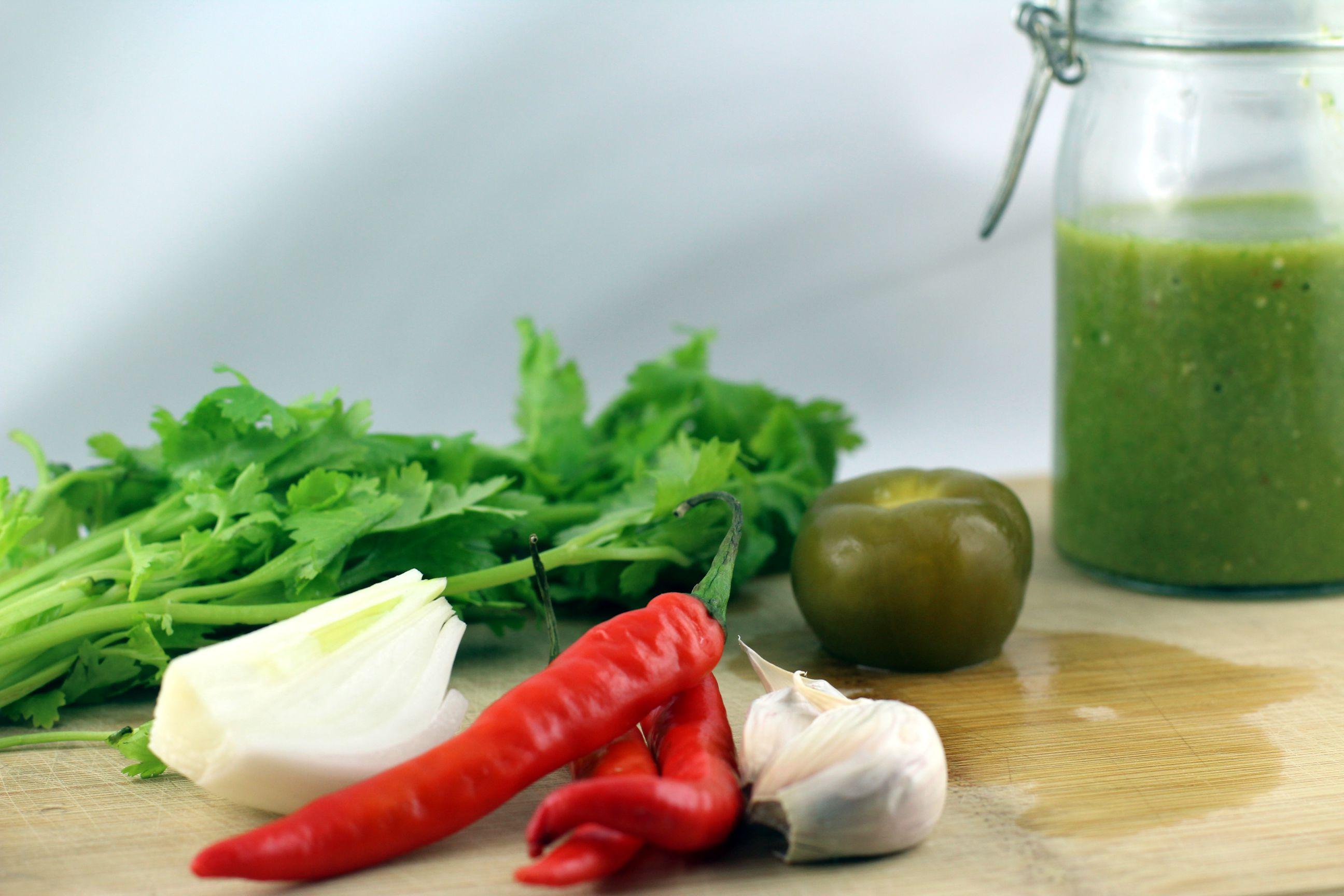 Zutaten Salsa Verde für die geschiedenen Eier / Huevos Divorciados